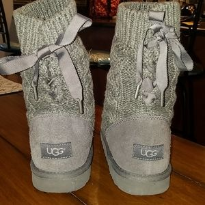 Knit, lace up Women's Ugg Boots, Size 5